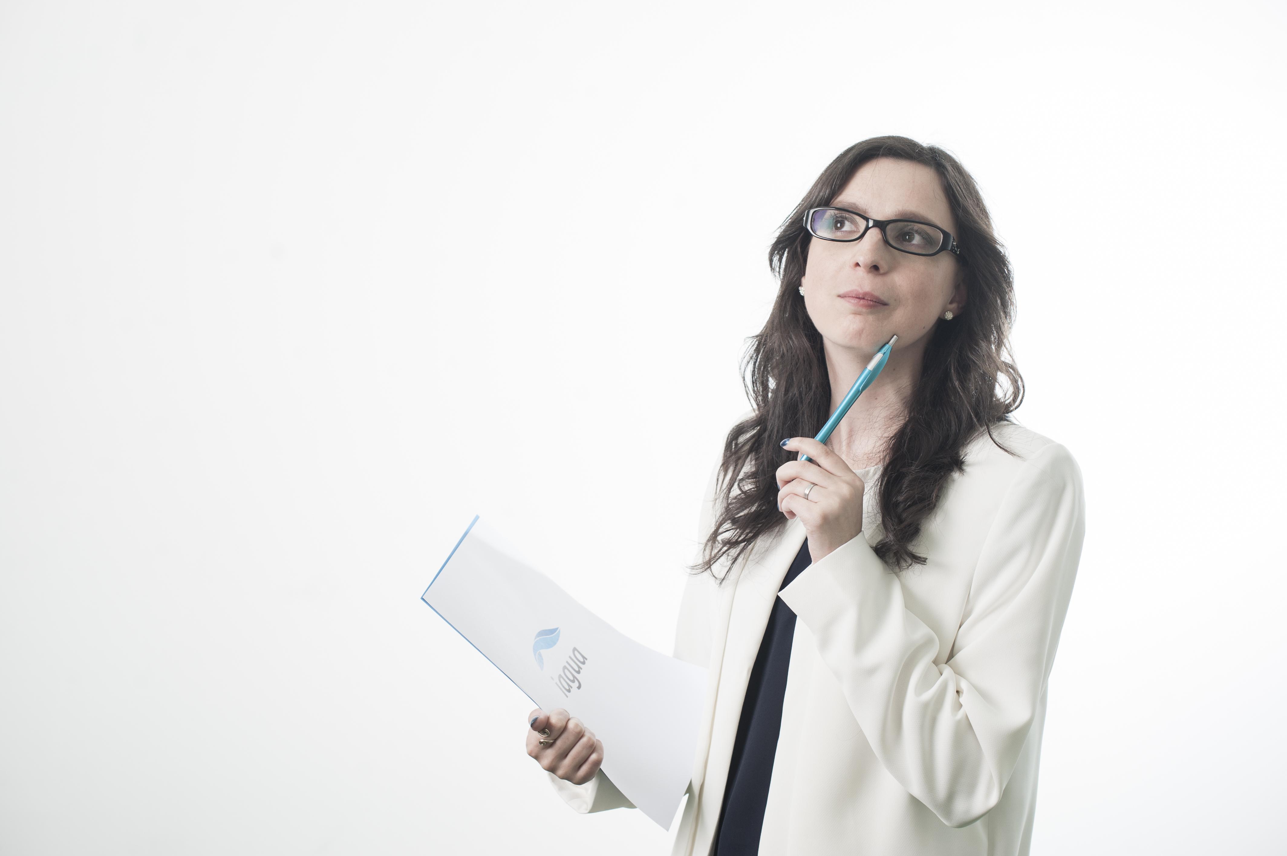 Laura F. Zarza