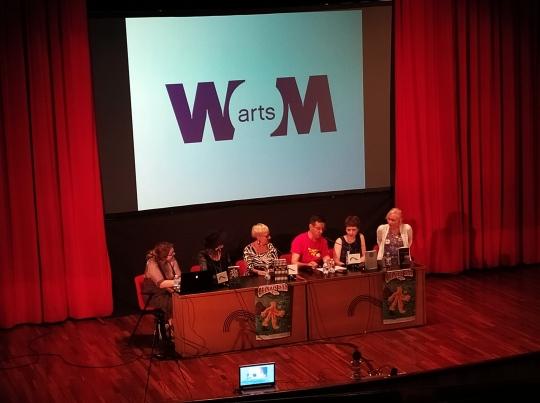 """Mesa """"Wom@rts: creando personajes femeninos con los que identificarse""""."""
